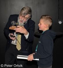 Årets unga Dexter-uppfinnare korad! Lukas Åkerblom 9 år vann uppfinnartävlingen.
