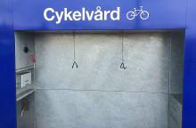 OKQ8 underlättar för cyklister i Västerås – öppnar central cykelvårdsplats