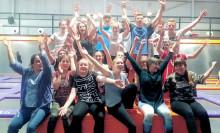 Kuchenbasar für Bärenherz: Klasse 9c der Oberschule Falkenhain unterstützt das Kinderhospiz