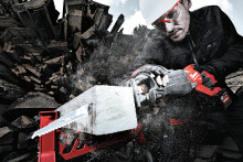 NYE M18 FUEL™ SUPER SAWZALL BAJONETTSAG MED 12,0 AH HIGH OUTPUT™-BATTERI