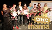 Schlagerdrottning är Årets mama 2012