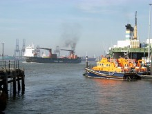 Shipping emissions to be included in UK carbon budgets?