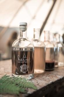 Hernö High Coast Terroir Gin 2018 kommer med en smak av malt och norrländsk skog.