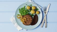 Frilandsbøf med bløde løg, brun sovs og kartofler