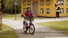 I ministaden får barnen koll på trafikreglerna