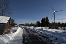 Vel blåst februar gir lavere strømpris