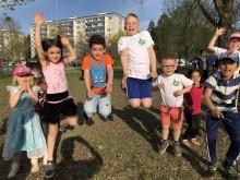 En Frisk Generation ökar rörelseglädjen för barn med hjälp av Postkodstiftelsen