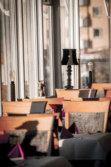 Klassiska och nyrenoverade Matsalen på Waxholms Hotell tar plats i White Guide 2017.
