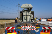 40-Tonnen-Koloss in Unterhaid bringt Energie für 8.000 Heizlüfter