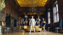 """Världspremiär för Robbie Williams singel och video """"Party Like A Russian"""""""