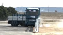 Säkrare vägräcken med höghållfast stål