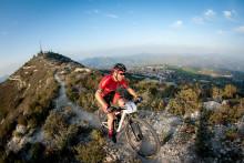 Tren og konkurrer på solsikre Kypros