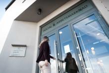 Länsstyrelsen har beviljat Lidköpings kommun drygt 850 000 kronor för att arbeta med bostäder till nyanlända.