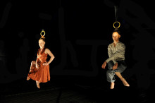 Fransk-finska cirkusföreställningen CAPILOTRACTÉES väcker hundraårig kinesisk cirkustradition till liv!