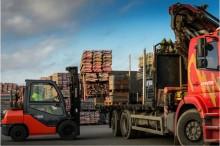 Jobba hos oss: Lastbilschaufför/kranbilsförare Stockholmsregionen