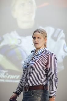 Idag kl 11.30 Tina Thörner föreläser på Dustin Expo, Ericsson Globe
