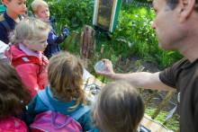 """""""Tag der kleinen Forscher"""" 2019 – Kinder erforschen in Louisenlund die Welt des Kleinen"""