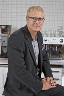 Nya tuffa hållbarhetsmål på Löfbergs Lila: 100 procent certifierat kaffe inom fem år