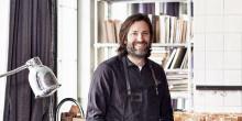 Tv-kocken Niklas Ekstedt signerar i varuhuset