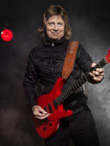 Janne Schaffer- Jojje Wadenius klara till gitarrfestivalen!