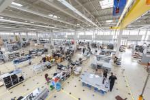 Canon samlar och utökar tillverkningen av flatbäddsskrivare i Europa