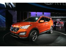 Nye Hyundai Santa Fe; skrått forfra, venstre. NY