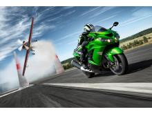 Kawasaki 2012 års ZZR1400 Actionbild