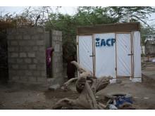 Pakistan ett år efter katastrofen: Säkra toaletter byggda av WaterAids partners.