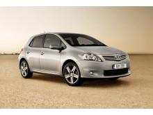 Toyotas svenska återförsäljare fortsätter sänka CO2-utsläppet