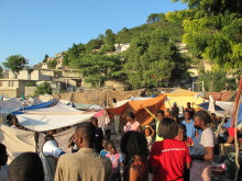 ActionAid delar ut mat och mediciner i Mariani