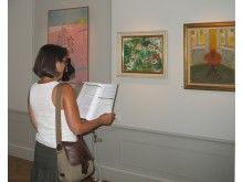 Besökare Astrid Lindgrens tavlor