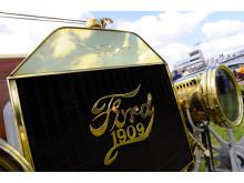 Välpolerad kylare på en T-Ford