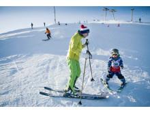 Alpin skidåkning i Hammarbybacken under World Snow Day 2016