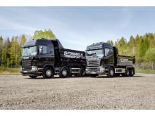 De to selvkørende lastbiler, der deltog i torsdagens event.
