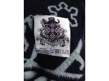 Filt/logga med mönstret Antarctica-Arctica ur nya kollektionen PANGAEA, Maria Sandberg Textiles.