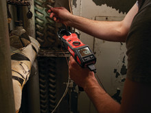 Milwaukee M12 tangamperemeter til ventilationsarbejde