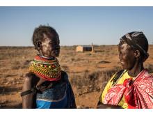 Asekon Lomulen från Turkana och Egiron Alice från Pokot. Bor båda i byn Loyapat. Foto Fredrik Lerneryd