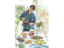 Trine vil få flere til å invitere til små og store sammenkomster med sin nye kokebok.