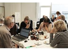 Juryn bedömer kryddad marmelad på Öppna SM i Mathantverk 2014