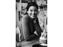 Emma Olbers - Medverkar i Designed to Last
