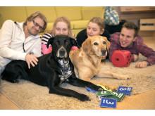 Bella och Wilma är Årets sociala tjänstehundar