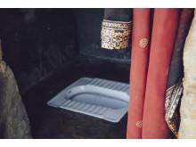 Toilette in Nepal, im Projektgebiet, das Viva con Agua Schweiz unterstützt