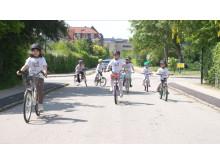 """Lidl har indgået et 3-årigt samarbejde om børnecykelløbet Tour de Kids, der skal give børn en sjov oplevelse på cykel og få flere til at vælge """"jernhesten"""". Foto: Lasse Lund (LasseLundFilm)."""