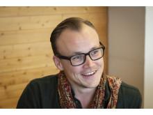 Regissør Petter Holmens blir regissør for Fjols til fjells
