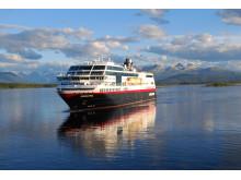 MS Midnatsol Foto Reto Zwick Hurtigruten
