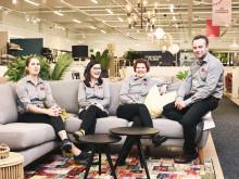 Veke Rovaniemen myymälän myyntihenkilökuntaa