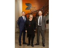 Kiertotalouden toimija DS Smith tapasi Euroopan parlamentin jäsenen Sirpa Pietikäisen  DS Smithin Tampereen tehtaalla