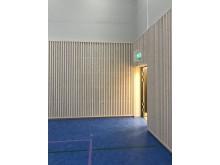 Utforming og materialvalg gir god, dempet akustikk også i gymsalen