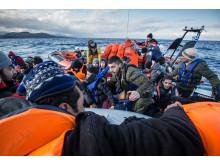 Räddningsinsats norr om Lesbos under december 2015 samarbete med Greenpeace.