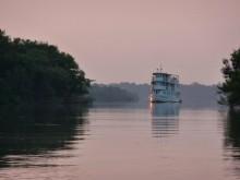 Jambo Kryssning: Tucano kryssar fram på Rio Negro